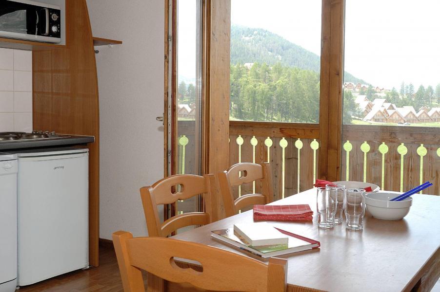 Location au ski Résidence la Crête du Berger - La Joue du Loup - Coin repas