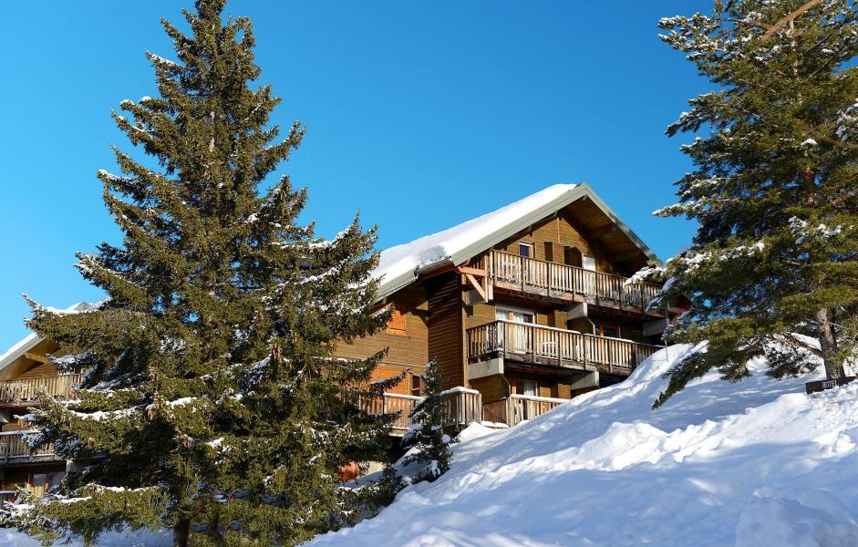 Location au ski Résidence les Chalets d'Aurouze - La Joue du Loup - Extérieur hiver