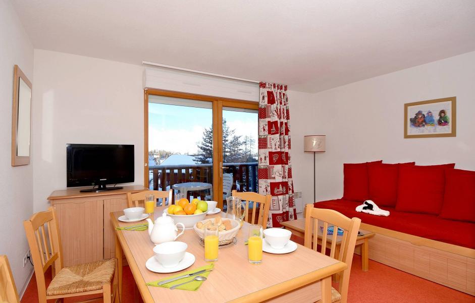 Location au ski Résidence les Chalets d'Aurouze - La Joue du Loup - Table
