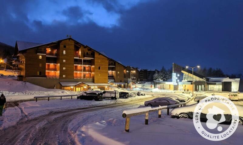 Vacances en montagne Résidence les Chamois - Maeva Home - La Joue du Loup - Extérieur hiver