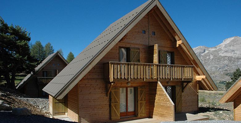 Location au ski Résidence Les Flocons du Soleil - La Joue du Loup - Extérieur hiver