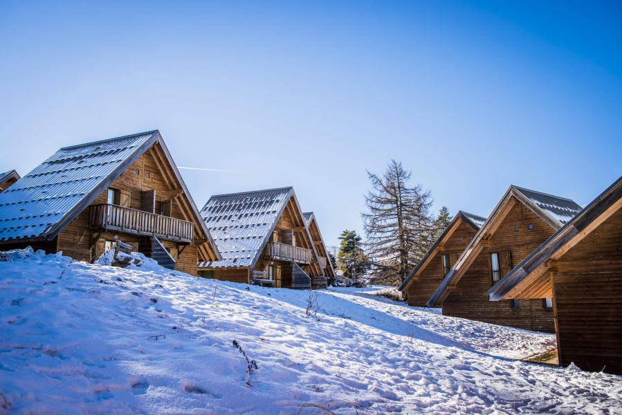 Vacances en montagne Résidence Les Flocons du Soleil - La Joue du Loup - Extérieur hiver