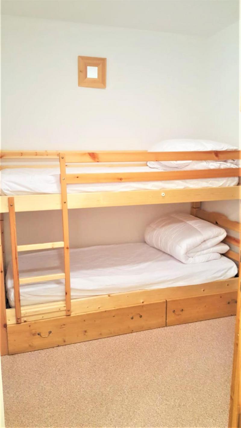 Аренда на лыжном курорте Квартира студия для 4 чел. (B05) - Résidence Les Rochers Blancs 3 - La Joue du Loup - Двухъярусные кровати