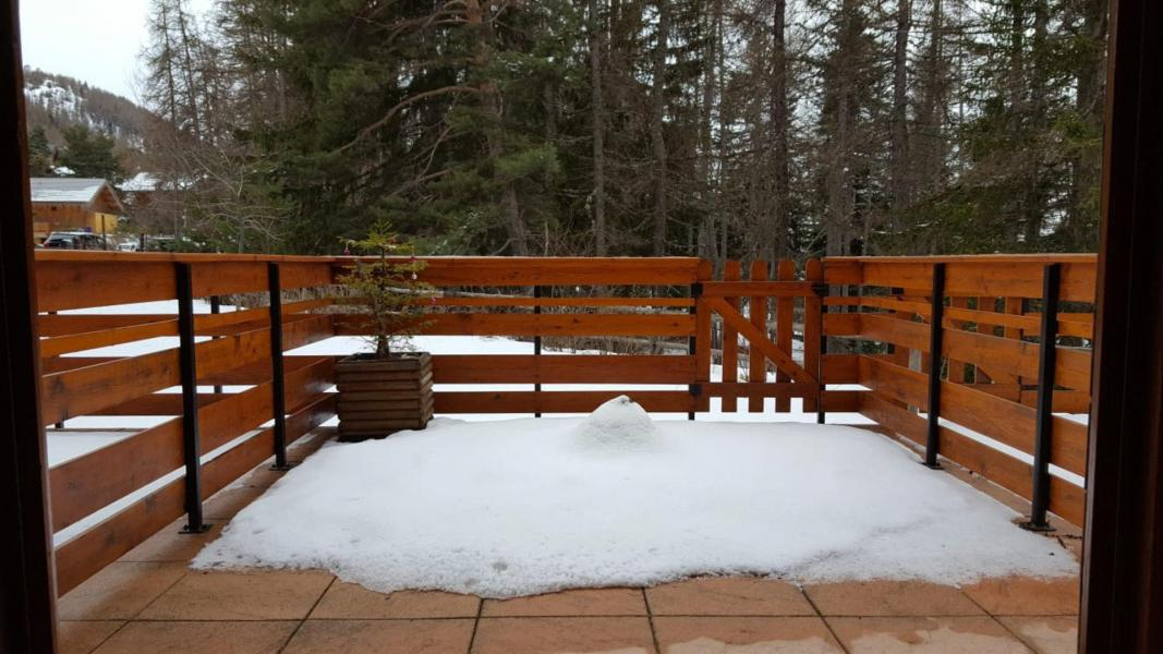 Аренда на лыжном курорте Квартира студия для 4 чел. (B05) - Résidence Les Rochers Blancs 3 - La Joue du Loup - Терраса