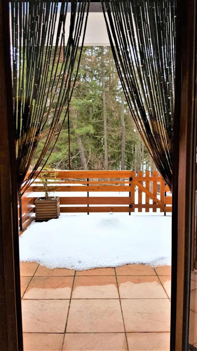 Location au ski Studio 4 personnes (B05) - Résidence Les Rochers Blancs 3 - La Joue du Loup - Terrasse