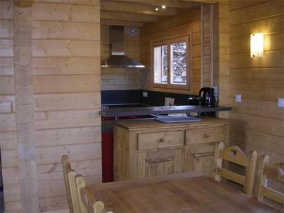 Location au ski Chalets Hameau Des Cimes - La Joue du Loup - Cuisine ouverte