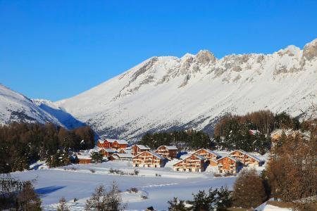 Rent in ski resort Résidence la Marmotte la Crête du Berger - La Joue du Loup - Winter outside