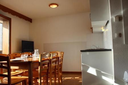 Rent in ski resort 3 room apartment 8 people (823) - Résidence la Marmotte la Crête du Berger - La Joue du Loup