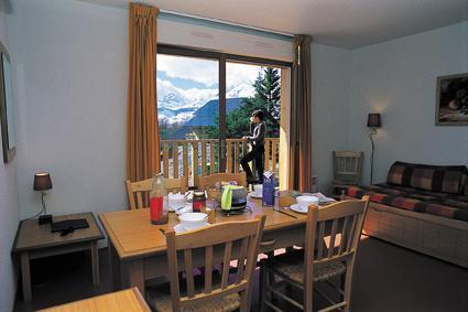 Location au ski Appartement 2 pièces 4 personnes - Residence Les Chalets D'aurouze - La Joue du Loup - Porte-fenêtre donnant sur balcon