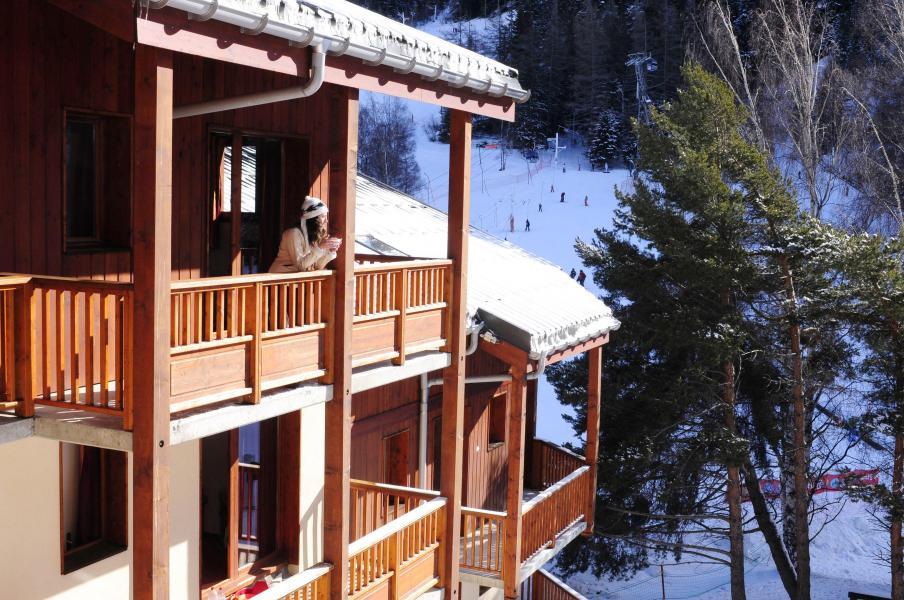 Vacances en montagne Résidence les Balcons d'Anaïs - La Norma - Extérieur hiver