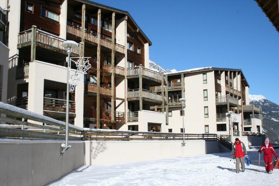 Holiday in mountain resort Résidence les Chalets et Balcons de la Vanoise - La Norma - Winter outside