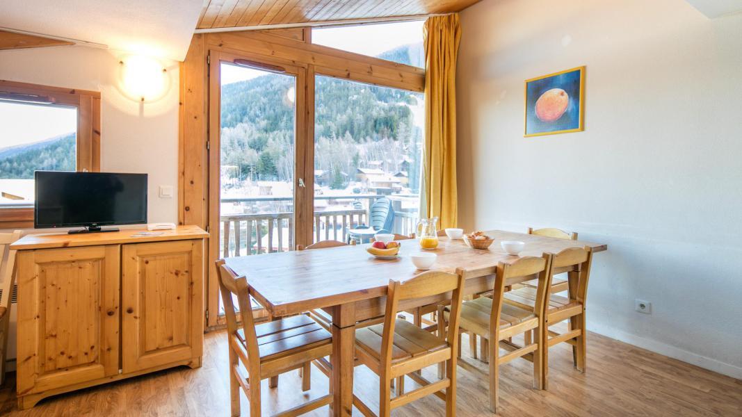 Location au ski Résidence les Chalets et Balcons de la Vanoise - La Norma - Table