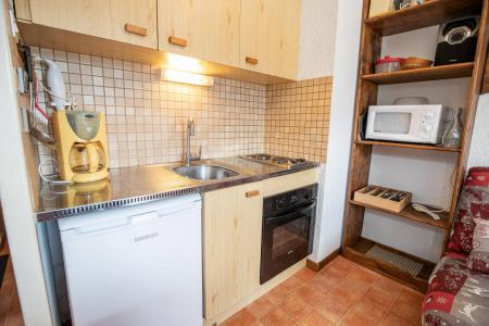 Rent in ski resort 2 room apartment sleeping corner 6 people (EP66D) - Chalets les Epervières - La Norma