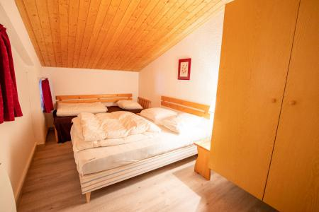 Rent in ski resort 3 room mezzanine apartment 10 people (CH02C) - Résidence la Chapelle - La Norma - Bedroom