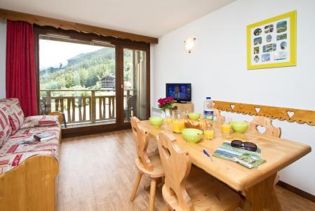 Location au ski Residence Les Chalets Et Balcons De La Vanoise - La Norma - Table