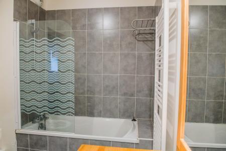 Rent in ski resort Résidence Plein Soleil - La Norma - Bath-tub