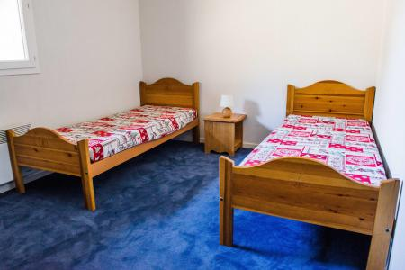 Rent in ski resort Résidence Plein Soleil - La Norma - Bedroom