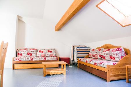 Rent in ski resort Résidence Plein Soleil - La Norma - Bench seat
