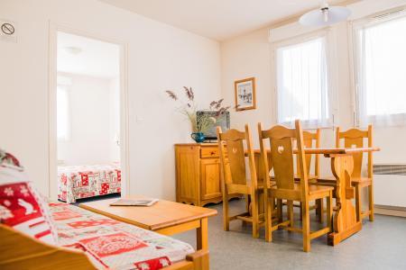 Rent in ski resort Résidence Plein Soleil - La Norma - Coffee table