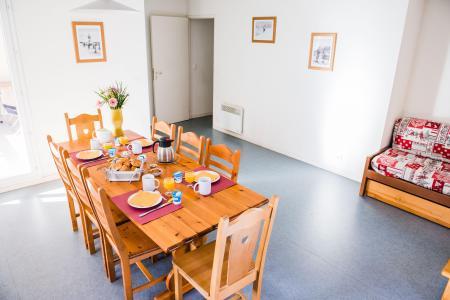 Rent in ski resort Résidence Plein Soleil - La Norma - Dining area
