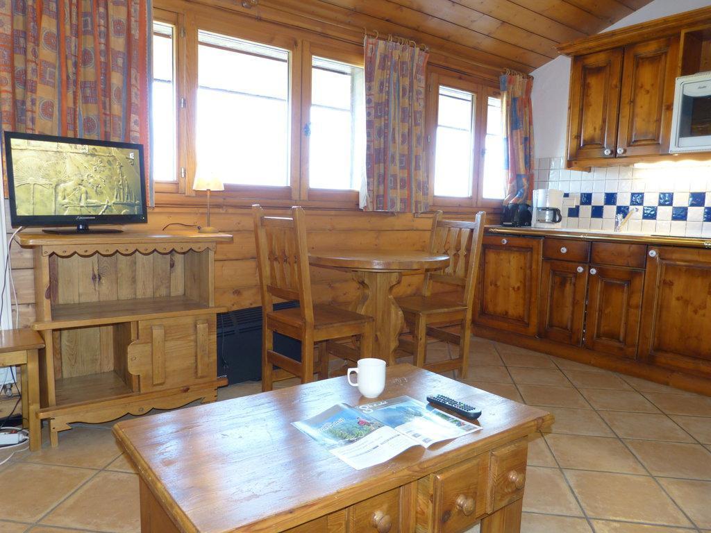Location au ski Studio 2 personnes (B62) - La Residence Les Hauts Bois - La Plagne - Table basse