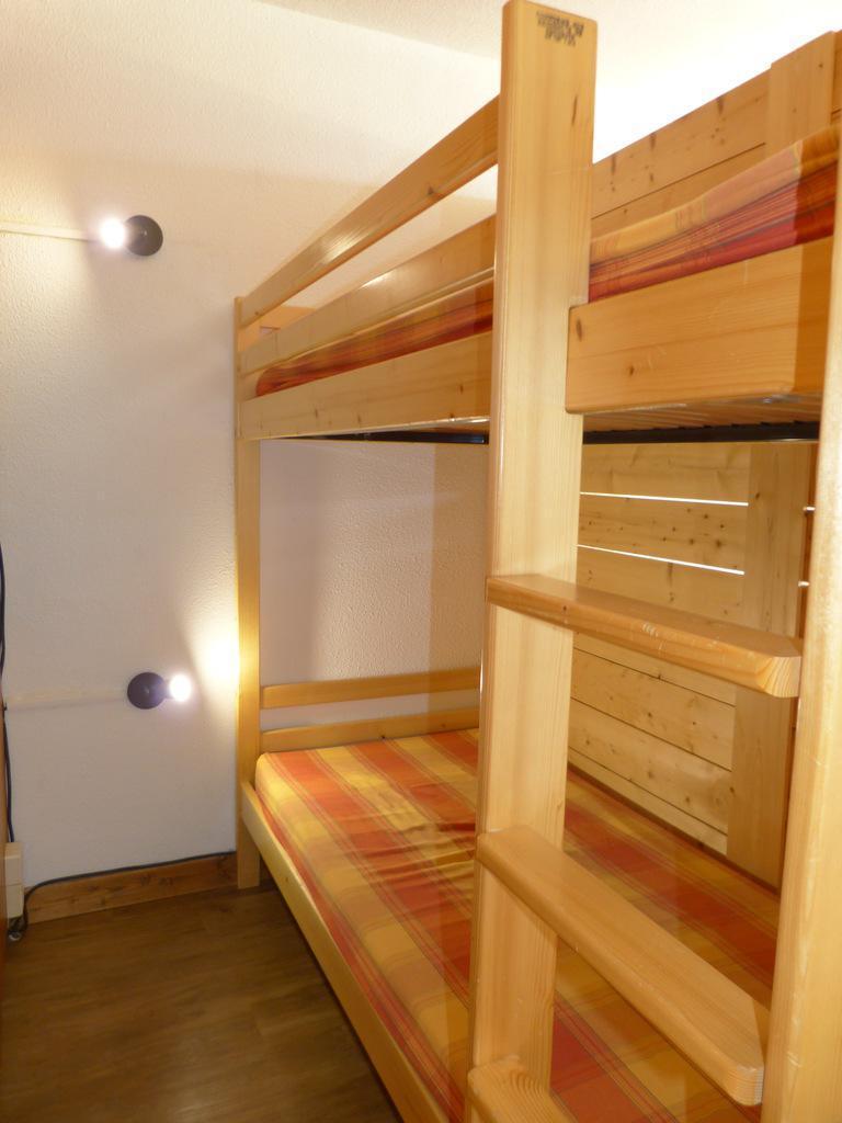 Location au ski Studio cabine 4 personnes (A2049) - Residence Aime 2000 - Le Diamant - La Plagne - Table