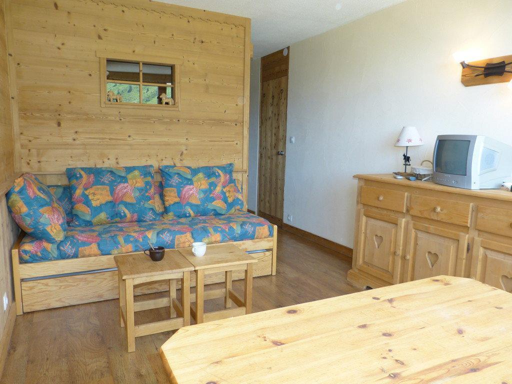 Location au ski Studio cabine 4 personnes (A2054) - Residence Aime 2000 - Le Diamant - La Plagne - Table
