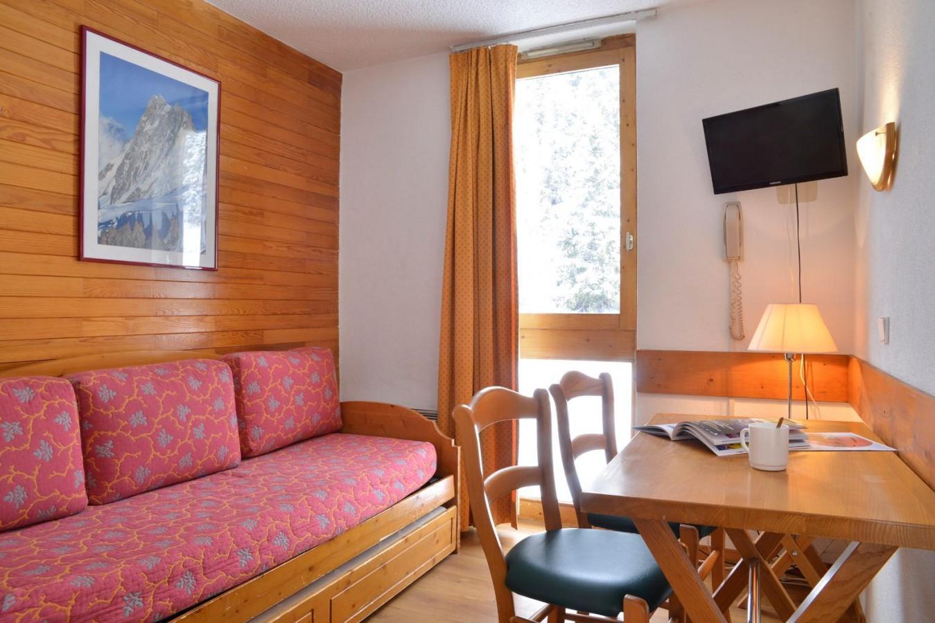 Location au ski Studio 2 personnes (64) - Residence Le Carroley A - La Plagne - Table