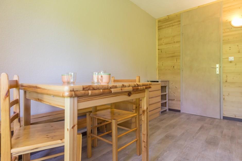 Location au ski Studio coin montagne 4 personnes (11) - Residence Les Arolles - La Plagne - Canapé-lit