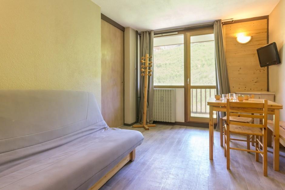 Location au ski Studio coin montagne 4 personnes (11) - Residence Les Arolles - La Plagne - Table