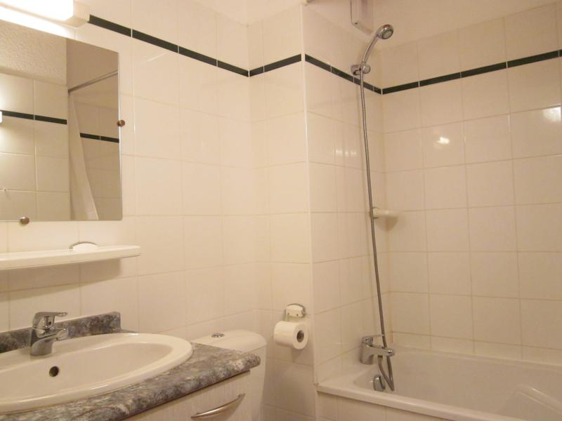 Rent in ski resort 5 room chalet 8 people (3) - Chalets des Alpages - La Plagne - Bathroom