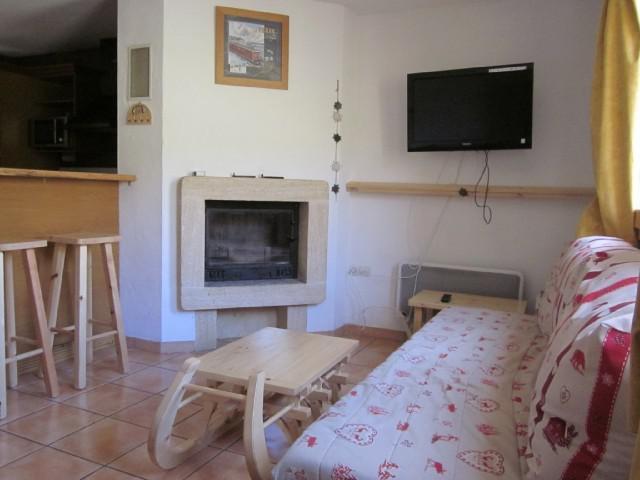 Rent in ski resort 6 room chalet 10 people (10) - Chalets des Alpages - La Plagne - Living room