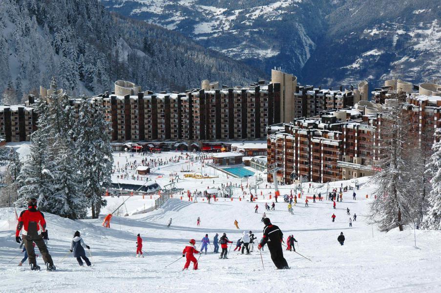 Holiday in mountain resort La Résidence les Glaciers - La Plagne - Winter outside