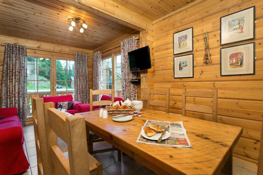Location au ski Les Chalets de Crête Côte Village - La Plagne - Coin repas