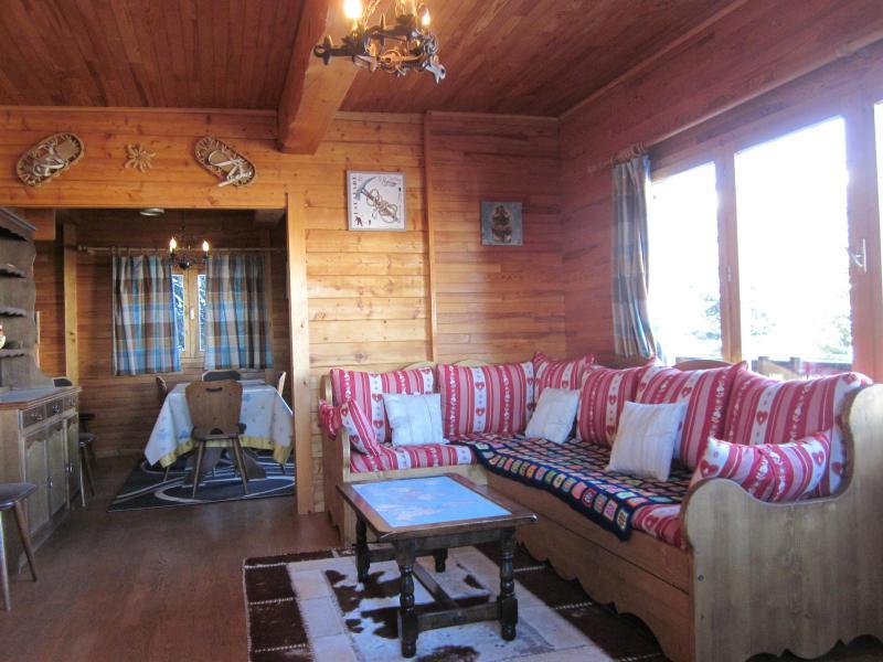 Rent in ski resort 4 room chalet 7 people (8) - Les Chalets de la Forêt - La Plagne - Living room