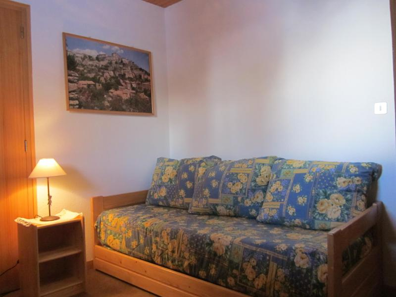 Rent in ski resort 4 room chalet 7 people (8) - Les Chalets de la Forêt - La Plagne - Sofa-bed