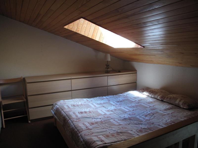 Ski verhuur Appartement duplex 2 kamers 6 personen (34) - Résidence Belvédère - La Plagne - Zolderkamer
