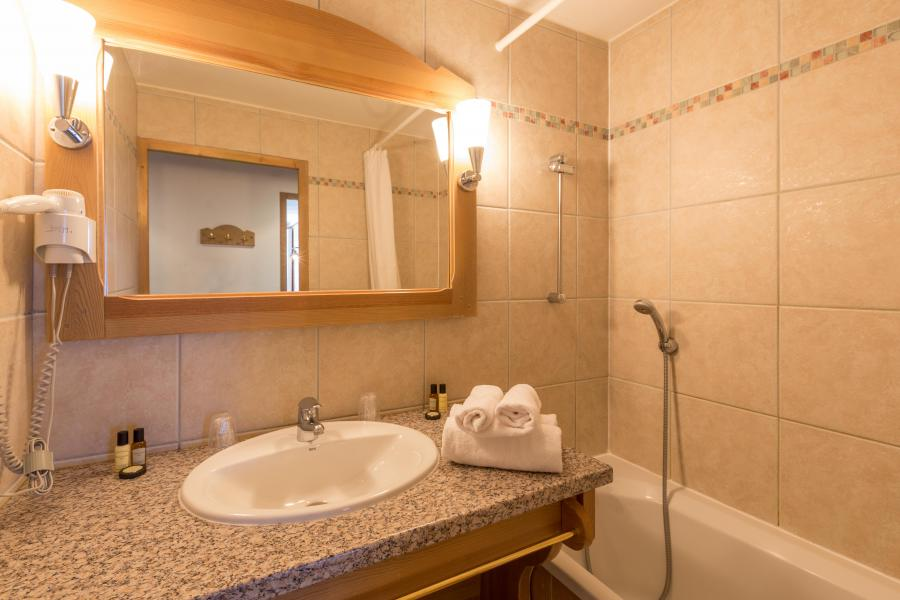 Rent in ski resort Résidence Sun Valley - La Plagne - Bathroom