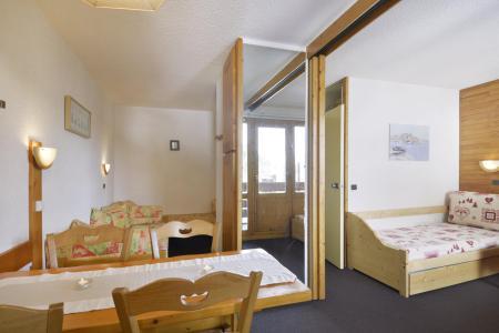 Location au ski Studio 4 personnes (202) - La Residence 3000 - La Plagne - Coin repas