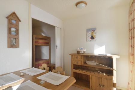 Location au ski Studio cabine 4 personnes (105) - La Residence 3000 - La Plagne - Coin repas