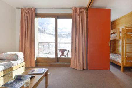 Location au ski Studio 4 personnes (05) - Residence 3000 - La Plagne - Canapé-lit