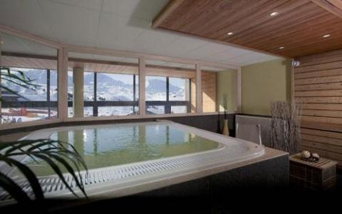 Location au ski Residence Club Mmv Le Centaure - La Plagne - Bain à remous