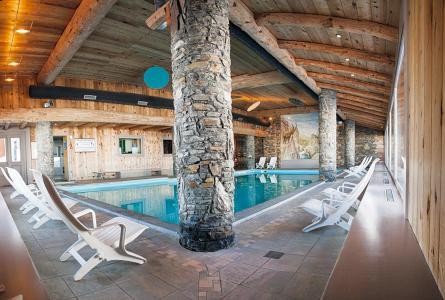 Location au ski Résidence P&V Premium les Hauts Bois - La Plagne - Piscine