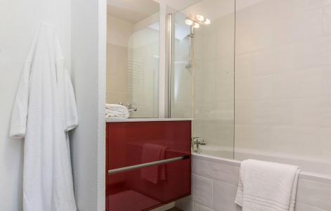 Rent in ski resort Résidence Prestige Front de Neige - La Plagne - Bathroom