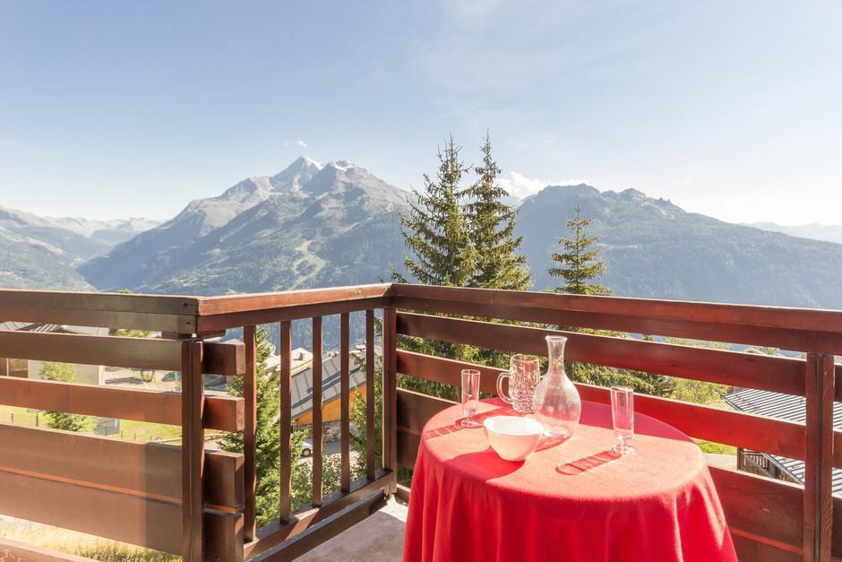 la residence les chavonnes la rosi re location vacances ski la rosi re ski planet. Black Bedroom Furniture Sets. Home Design Ideas