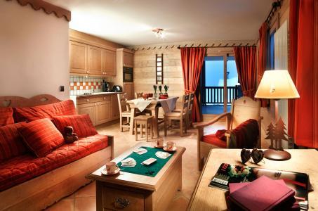 Rent in ski resort Les Cimes Blanches - La Rosière - Living room