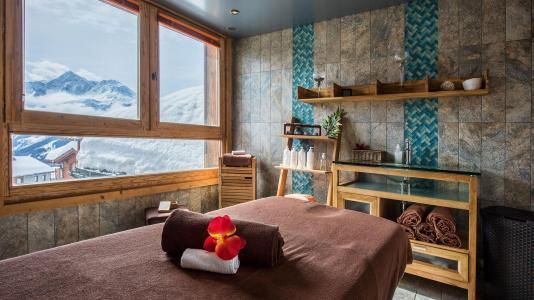 Location au ski Les Cimes Blanches - La Rosière - Massage