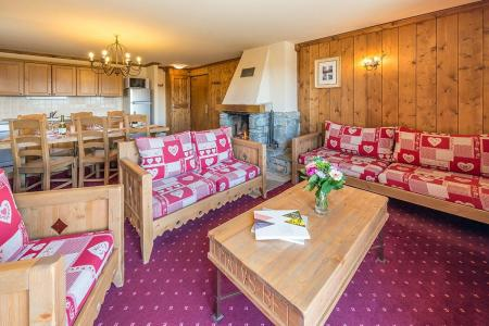 Rent in ski resort 4 room apartment 6-8 people - Résidence Chalet le Refuge la Rosière - La Rosière - Living room