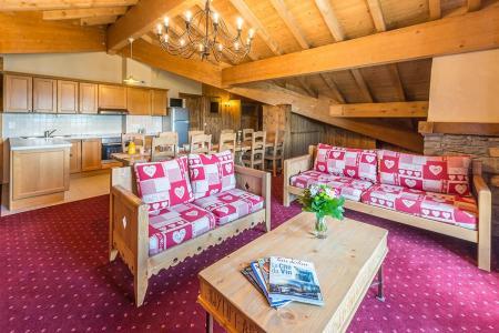 Rent in ski resort 5 room apartment 8-10 people - Résidence Chalet le Refuge la Rosière - La Rosière - Living room