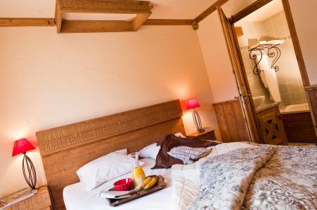 Rent in ski resort Résidence Chalet le Refuge la Rosière - La Rosière - Bedroom